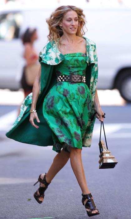 Carrie Bradshaw w zielonej sukience